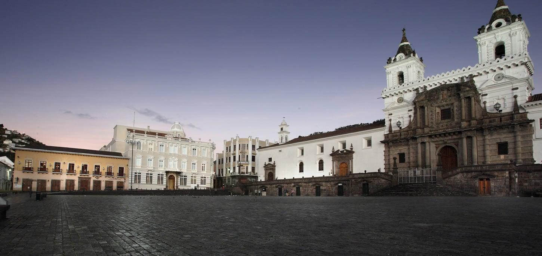 casagangotena-quito-hotel-boutique-plaza-panoramic